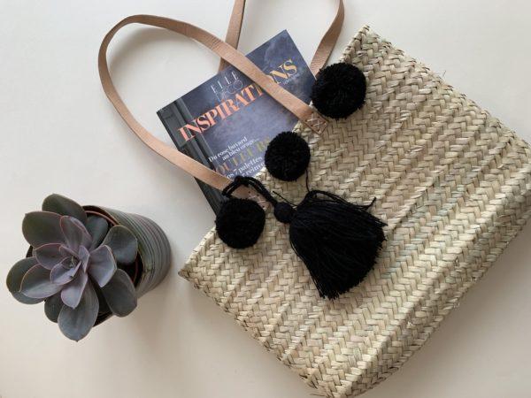 Panier Pompons noirs